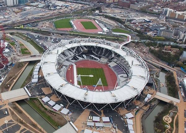 """主场馆""""伦敦碗""""特殊的可拆卸式结构"""